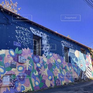 屋外,海外,カラフル,アート,ヨーロッパ,街,観光,壁,旅行,旅,フランス,可愛い,カラー,パステルカラー,ウォールアート,おしゃれ,ファンシー,色・表現,趣味・レジャー
