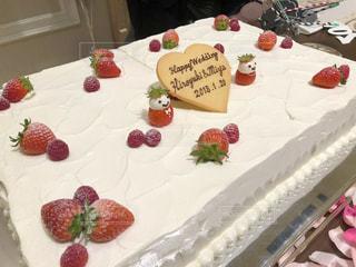 バースデー ケーキで食品のプレートの写真・画像素材[1668243]