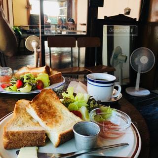 食べ物,食事,朝食,ランチ,屋内,ワンプレート,トースト,朝ごはん,古民家,おしゃれ,団らん,古民家再生