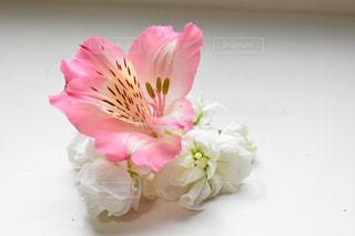 アルストロメリアの可愛い花束の写真・画像素材[3104214]