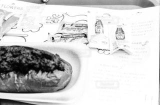食べ物,食事,ランチ,モノクロ,旅,昼食,flowers,ケチャップ,フィルム写真,有馬,マスタード,チリドッグ,旅飯,黒と白