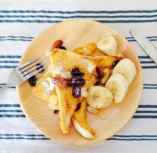 食事,食卓,フォーク,ナイフ,フルーツ,フレンチトースト,ごはん,朝ごはん,バナナ