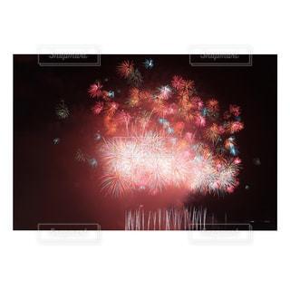 空に花火の写真・画像素材[1683517]