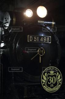 漆黒の夜汽車の写真・画像素材[1702221]