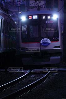 闇の列車の写真・画像素材[1705849]