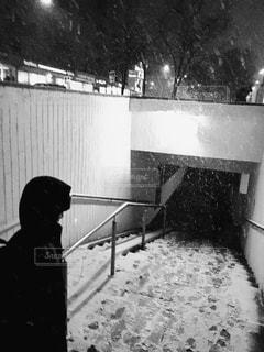 冬,外国,地下道,男の子,モスクワ,マイナス,北国,寒さ,吹雪,防寒,雪の夜,バス通り,レニンスキー