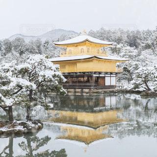 金閣寺の雪景色の写真・画像素材[1764218]