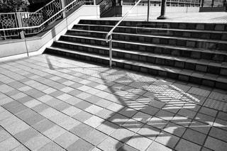 人の白黒写真の写真・画像素材[2174321]