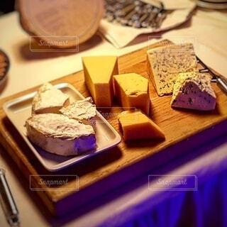 フィンランドの立食パーティー チーズ盛り合わせの写真・画像素材[3998437]