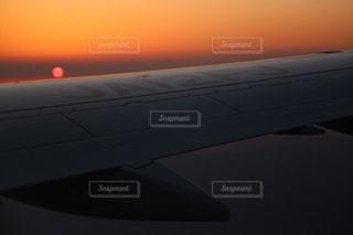 陽が沈むの写真・画像素材[1688063]