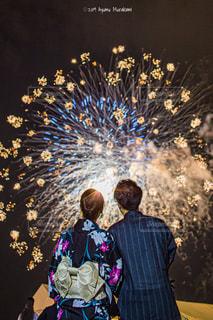 見上げる花火。の写真・画像素材[2515700]