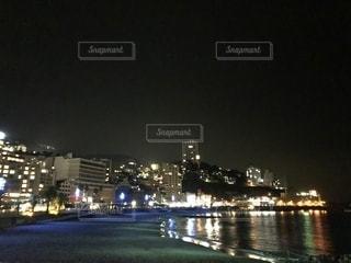 夜の街の景色の写真・画像素材[1681644]