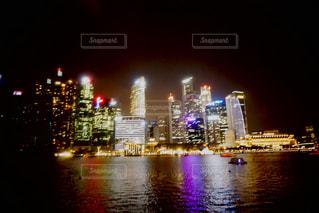 夜の街の景色の写真・画像素材[1686746]