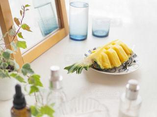 朝の美容にパイナップルの写真・画像素材[1822250]