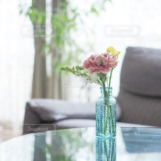 居間の花瓶の写真・画像素材[2144748]