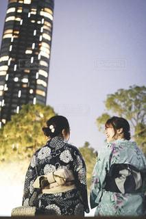 カメラのポーズをとる人々のグループの写真・画像素材[2307614]