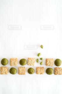 食べ物をテーブルの上に閉じるの写真・画像素材[3044946]
