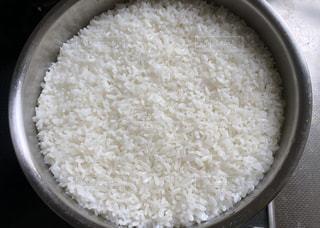 地震後のブラックアウト時に鍋で炊飯、うまく炊けた!の写真・画像素材[1696310]