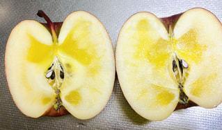 ナイフを入れた時に蜜いっぱいだったら嬉しい。の写真・画像素材[1770170]