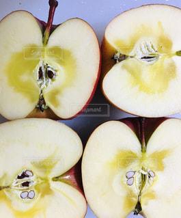 私は真っ赤なりんごです〜♬ 青森りんごは美味しいよ〜の写真・画像素材[1770719]