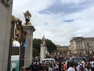 ロンドン,人混み,バッキンガム宮殿,宮殿,イギリス王室,衛兵交替式