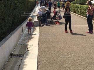 子ども,水路,ロンドン,海外旅行,グリニッジ,水浸し,国立海事博物館