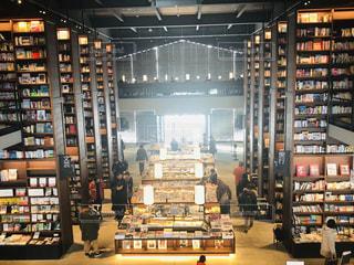 本屋さんの中のキラキラ、江別の某書店の写真・画像素材[1876255]