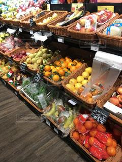 食べ物,海外,カラフル,ヨーロッパ,オレンジ,フルーツ,果物,野菜,レモン,イタリア,マーケット,新鮮,洋梨,スーパー,ミラノ,売り場
