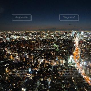 夜の街の景色の写真・画像素材[1690329]