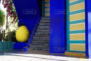 マジョレル庭園のブルーが映える 階段の写真・画像素材[2168353]