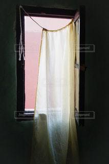 モロッコの宿の窓の写真・画像素材[2270113]