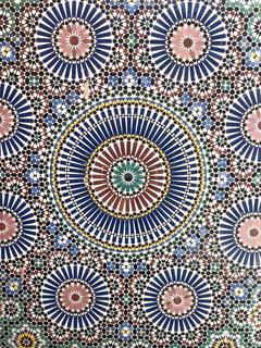 モロッコの壁モザイク柄の写真・画像素材[3152315]