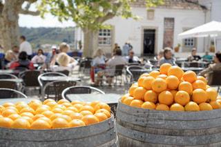 テーポルトガル の小さな町のオレンジの写真・画像素材[3152798]