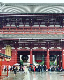 雨の浅草寺の写真・画像素材[2219313]