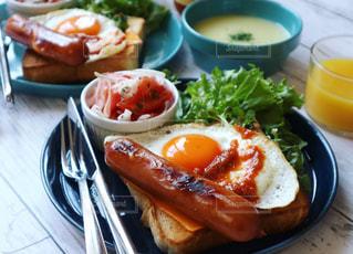 朝ごはん,ソーセージ,トーストアレンジ,ジョンソンヴィル,ボリュームトースト