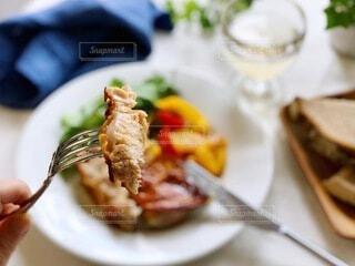 食べ物,テーブル,料理,メインディッシュ,鶏肉料理,チキンソテー