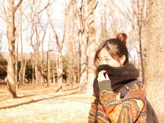 冬の公園デートの写真・画像素材[1695910]