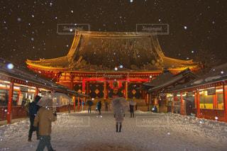 大雪に見舞われた浅草寺の写真・画像素材[1733388]