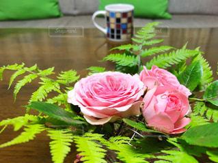 花のある暮らしの写真・画像素材[2141891]