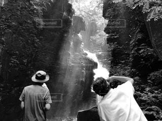 男性,光芒,フィルム,カメラマン,渓谷,沢,フィルム写真,フィルム風,フィルムフォト