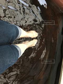足湯に浸かる明日の写真・画像素材[1798643]
