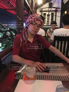 夜,お酒,男,レストラン,東南アジア,カンボジア,海外旅行,異国情緒