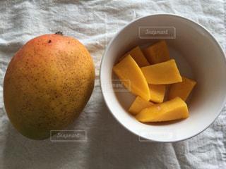 食事,マンゴー,テーブル,フルーツ,果物,ダイニングテーブル