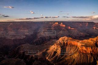 自然,風景,空,屋外,海外,雲,夕暮れ,アメリカ,山,景色,観光,旅行,海外旅行,谷,眺め,高い,峡谷,フォトジェニック,インスタ映え,グラントキャニオン