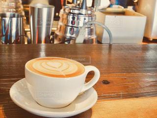カフェ,コーヒー,温かい,クリーム,ハート,甘い,ラテアート,休日,キャラメルラテ,ミルクティー色