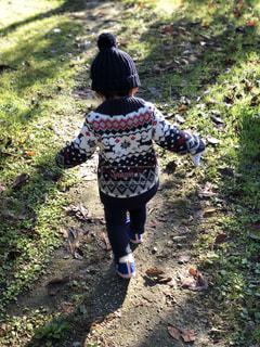 自然,後ろ姿,子供,人物,背中,人,後姿,幼児,草木,フォトジェニック