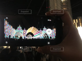 携帯電話を持つ手の写真・画像素材[2307405]