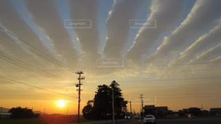 不思議な雲、夕焼けの写真・画像素材[2421945]