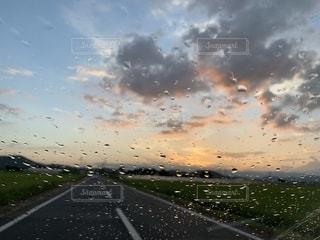 雨 と 雲の写真・画像素材[2432787]