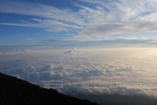 雲の上の写真・画像素材[2432860]